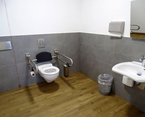 barrierefreies WC in kieferorthopädischer Praxis in München Schwabing